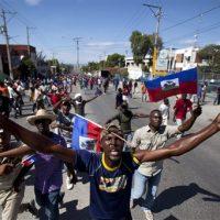 Miles de haitianos exigen en las calles derogar ley de Presupuesto para 2018