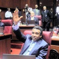 Senado aprueba dos proyectos de legislaciones del Senador Félix Bautista