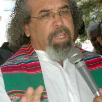 El padre Rogelio Cruz dice sociedad colapsó y está podrida