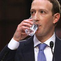 La pregunta que ridiculizó y dejó en evidencia a Mark Zuckerberg en el Senado de los Estados Unidos