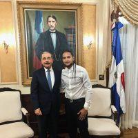 Mozart La Para y el Presidente Danilo Medina en su visita al Palacio Presidencial