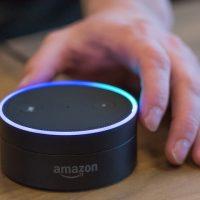 Miles de empleados de Amazon están escuchando lo que le dices a Alexa