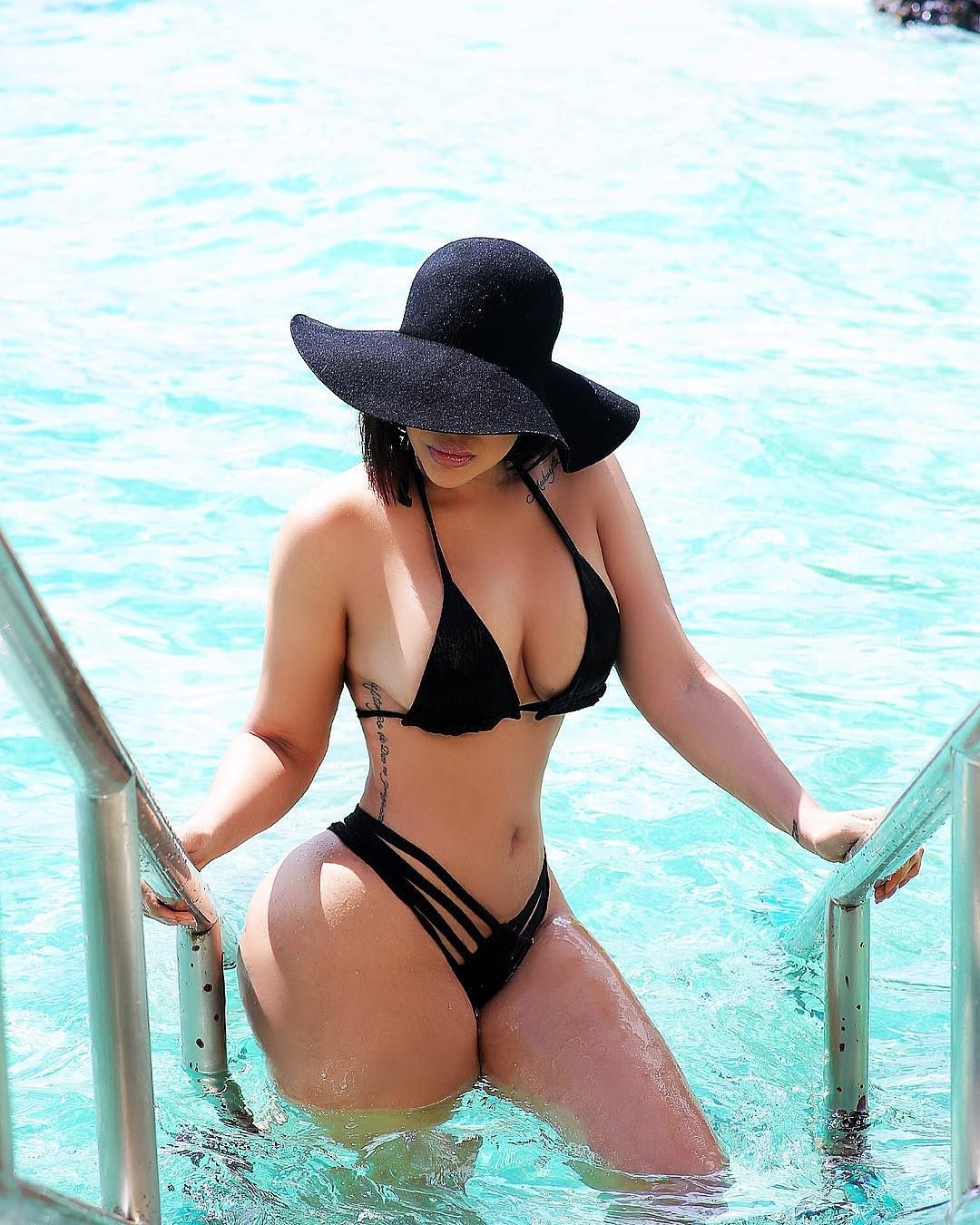 Ana Carolina Castillo, Hot Bikini Dominicana – 17 Abril 2019