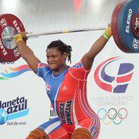Crismery Santana gana el premio de Atleta del año por lo ACD