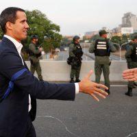 Estados Unidos insta a Fuerzas Armadas de Venezuela a apoyar levantamiento de Juan Guaidó