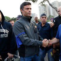 Opositor venezolano Leopoldo López y su familia se refugian en embajada chilena