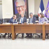 Comité Político se reúne en ambiente tenso por reelección