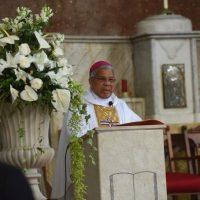 """Monseñor Francisco Ozoria dice medios de comunicación quieren poner """"a pelear"""" a la Iglesia Católica y al Gobierno"""