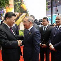 Xi Jinping y Danilo Medina intercambian felicitaciones en el primer aniversario de relaciones diplomáticas